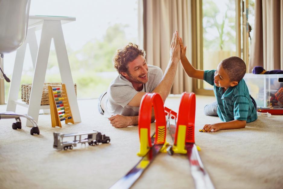 Cum să te joci cu copiii tăi